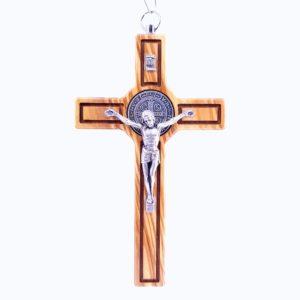 Włoski krzyż z Drzewa Oliwnego z medalikiem św. Benedykta 20cm Prosty