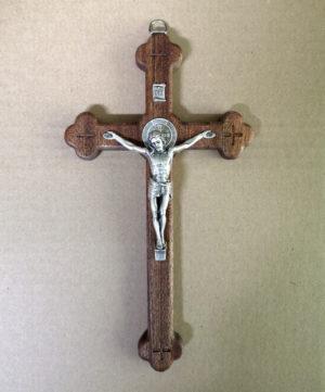 Krzyż Syjonu drewniany 20 cm z medalikiem